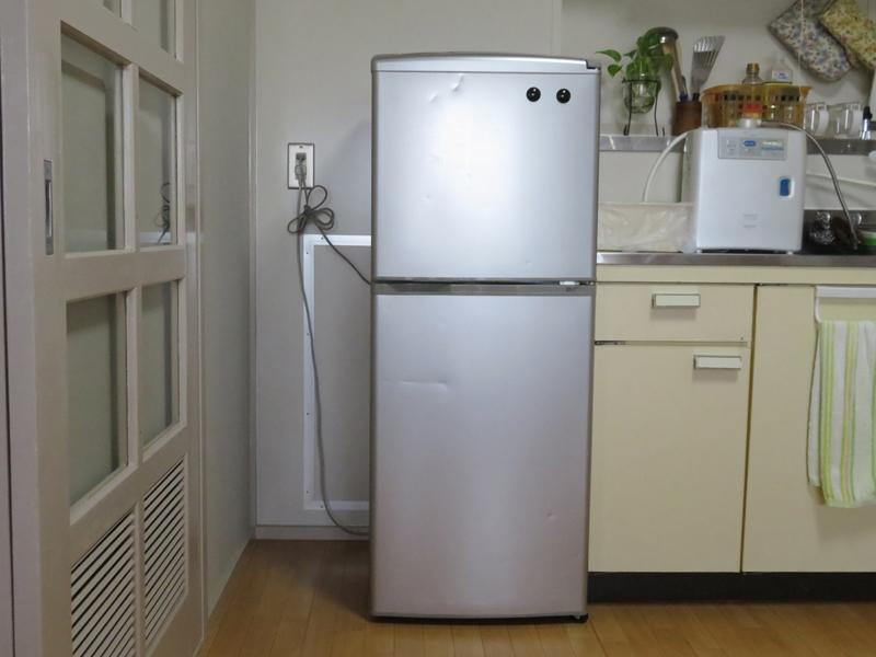 冷蔵庫横 オーダーパイプキット設置前